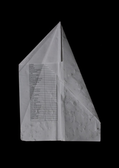 De Builtlear: found paper plane, projection